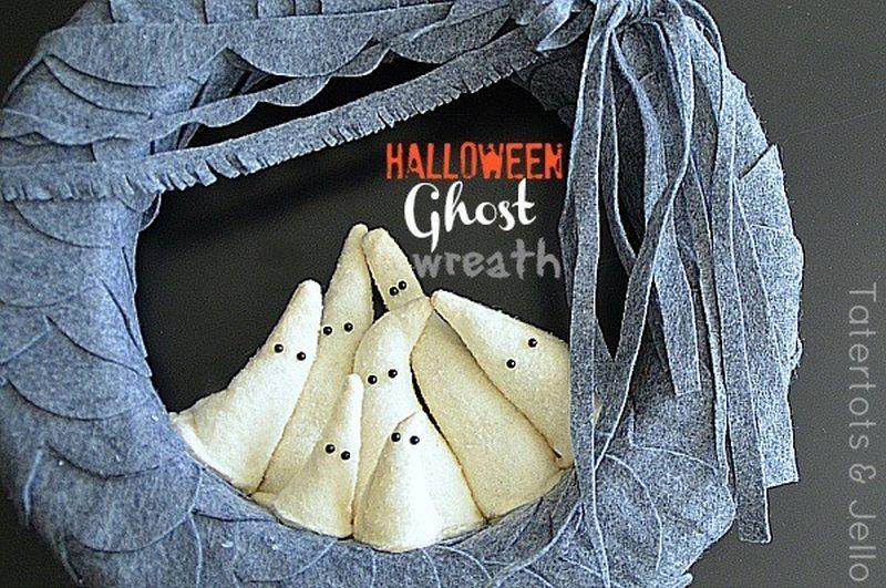felt ghost wreath with little ghosties