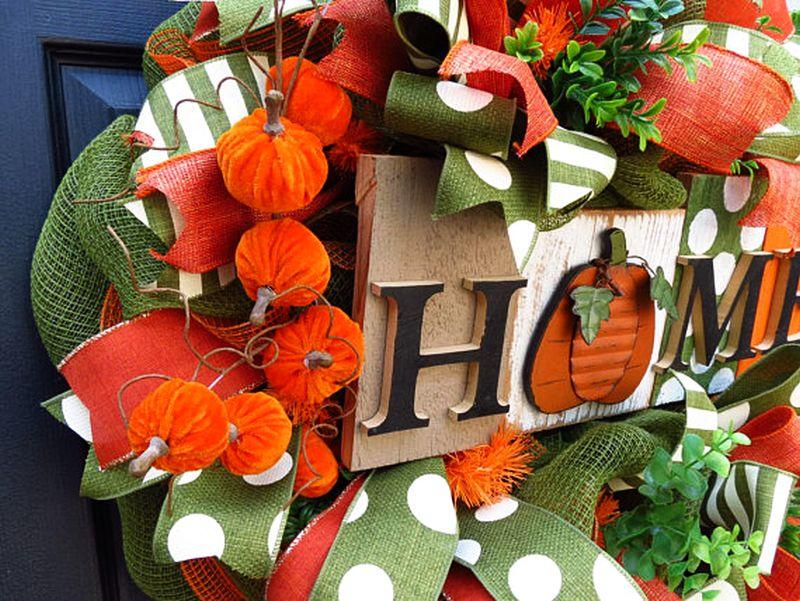 Fall deco mesh wreath for Halloween
