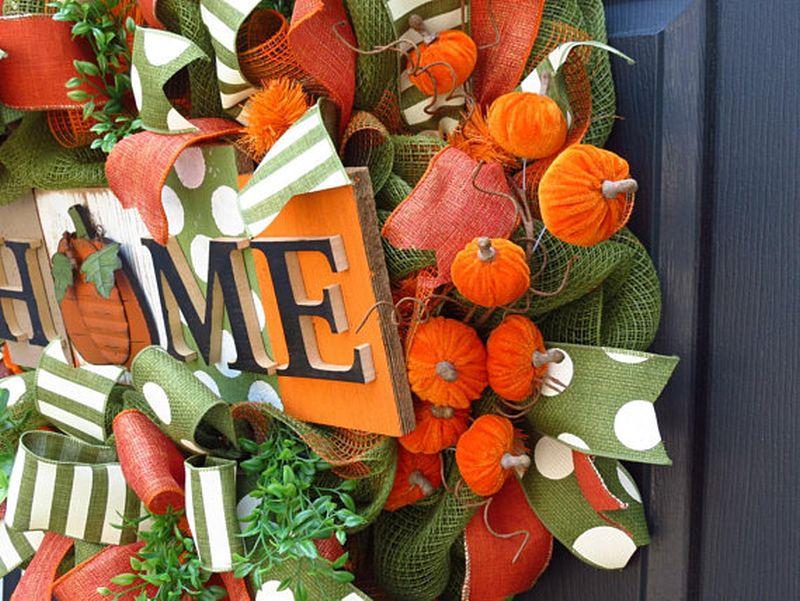 Halloween wreath for front door