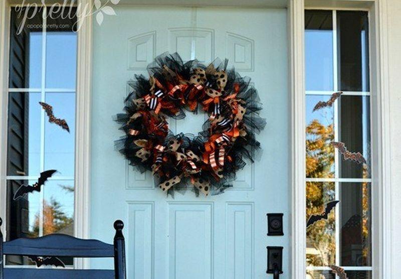 Halloween DIY ribbon wreath