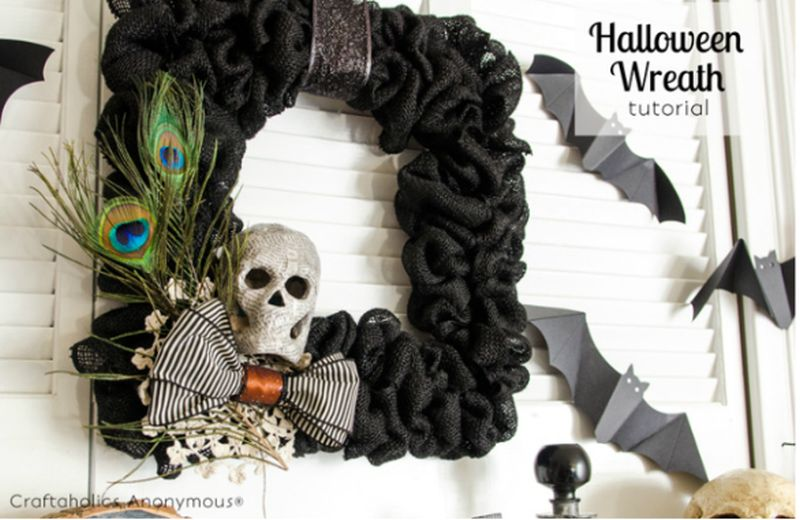 Square Halloween burlap wreath