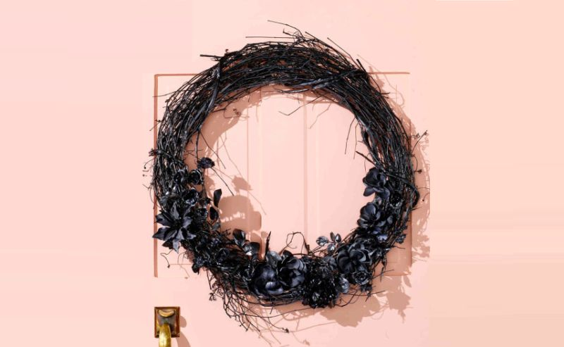 Black magic wreath