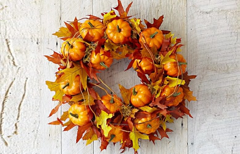 30 Halloween wreaths too cute to be scary