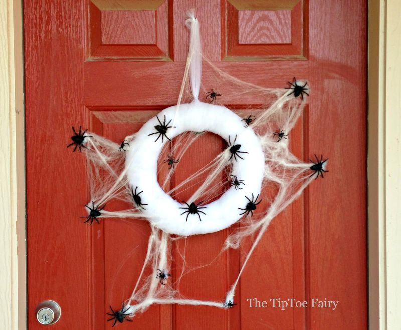 Spider web wreath Halloween