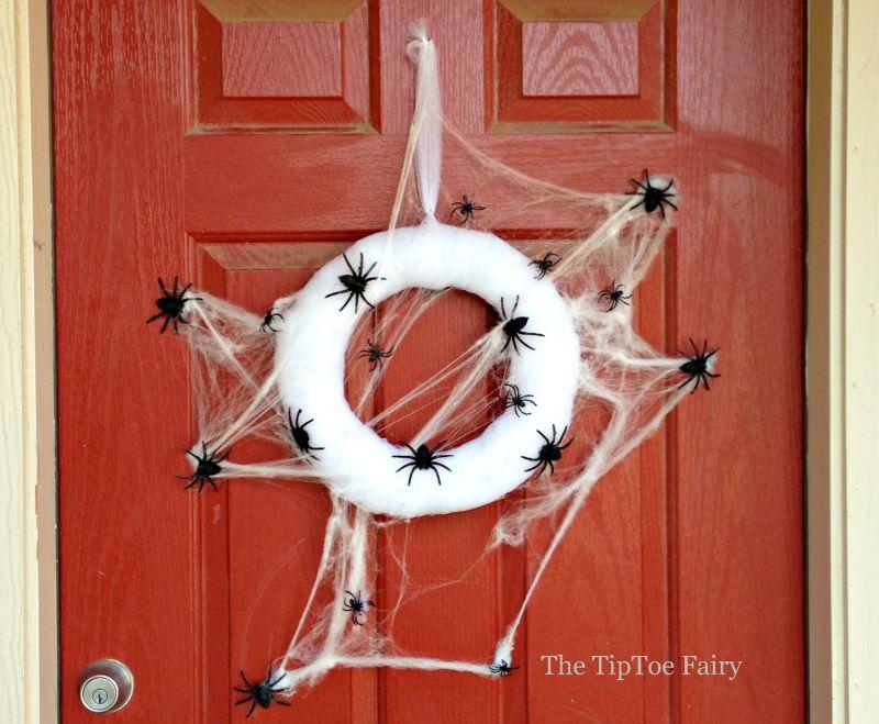 Spider web wreath Halloween