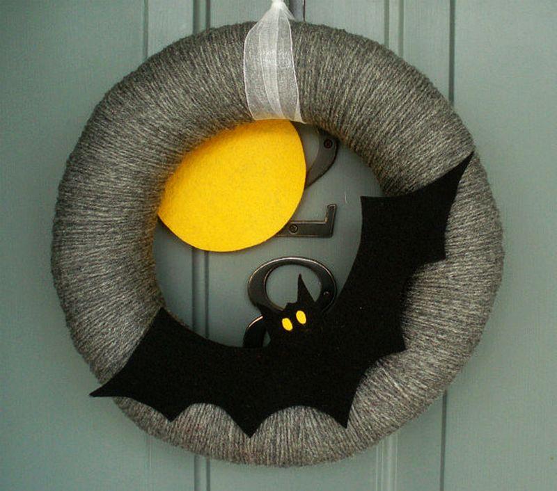 Yarn bat wreath