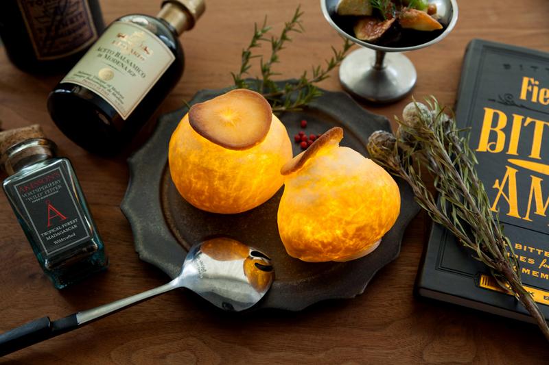 Amazing bread lamps by Yukiko Morita