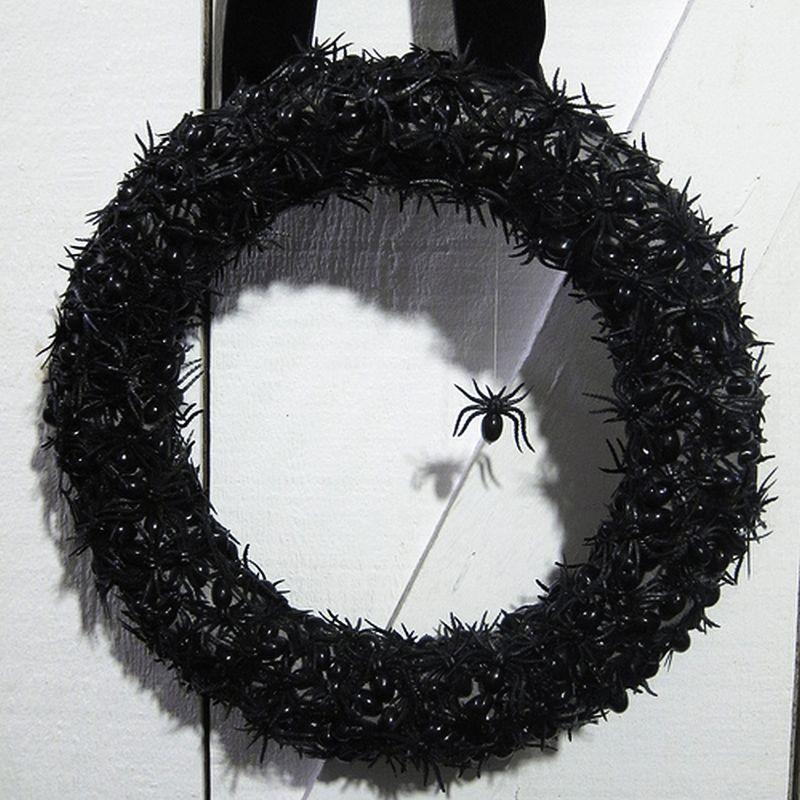 Climbing Spider Halloween Wreath
