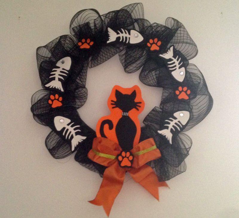 DIY Cat-Inspired Halloween Wreath