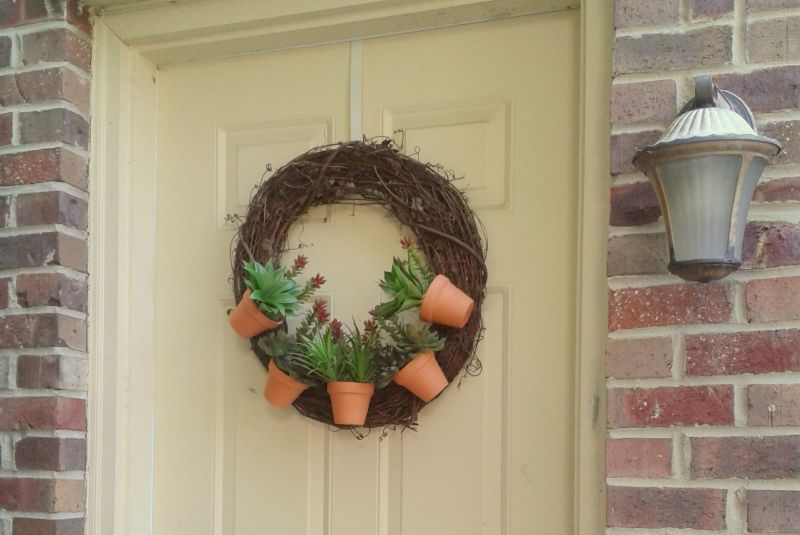 DIY Flower Pot Wreath
