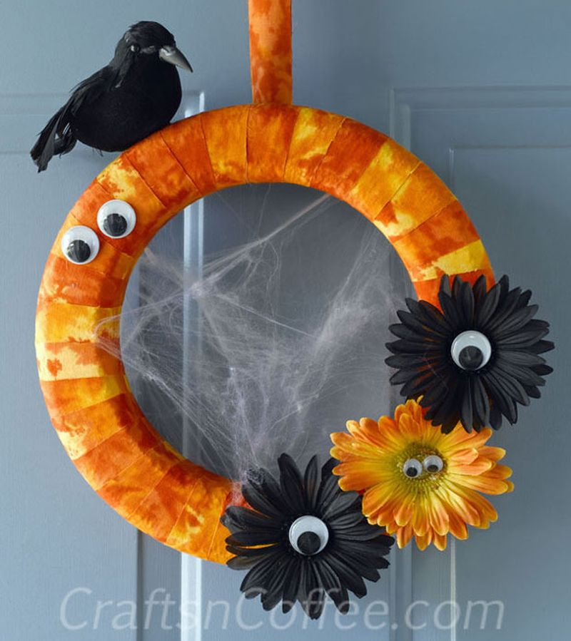 DIY Halloween Raven Wreath