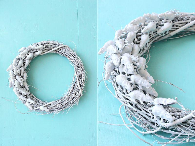 DIY white Rat Wreath