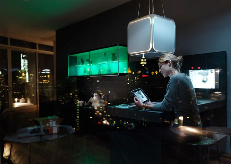 Kitchen range hood lighting