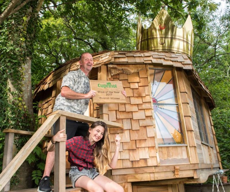 Mushroom-shaped treehouse is shaed of the year