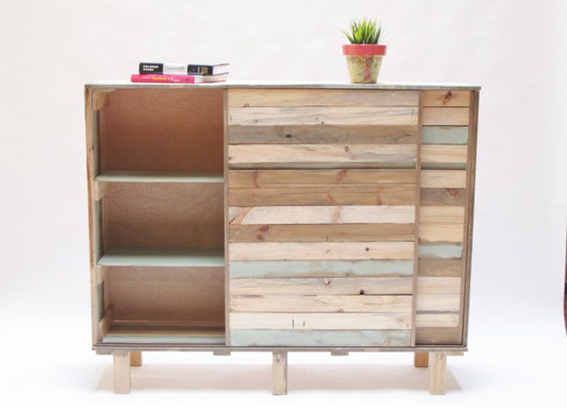 Petulaplas Reclaimed wood cabinet