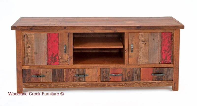 Reclaimed wood cabine for living room