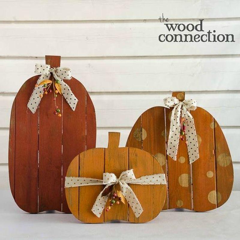 Pallet Halloween pumpkin