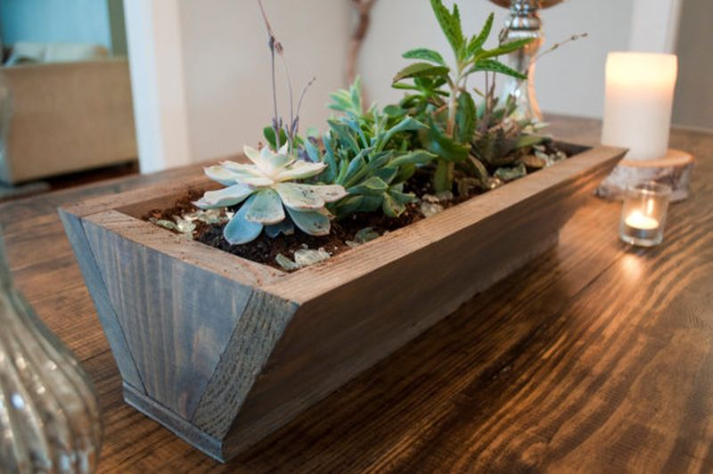 Reclaimed wood planter for living room