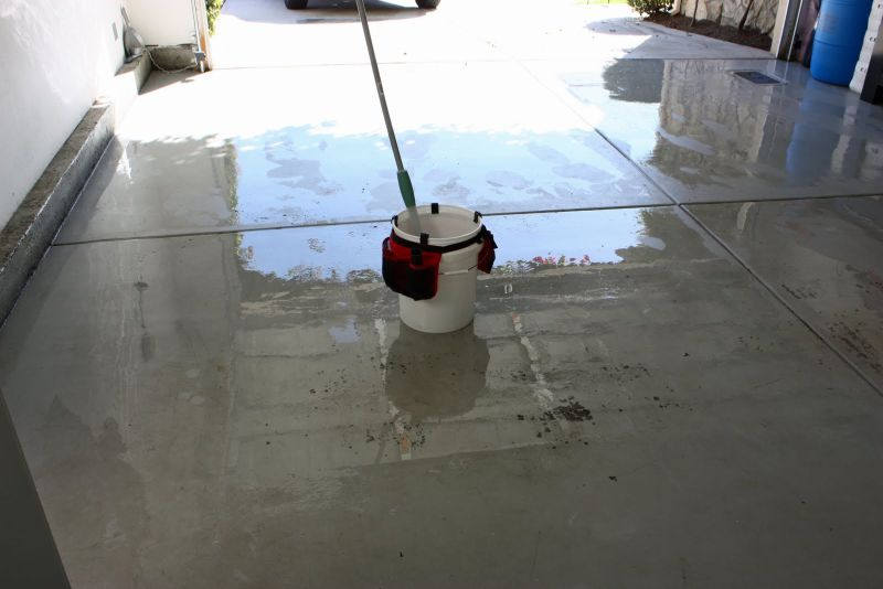 keeping your garage clean and tidy