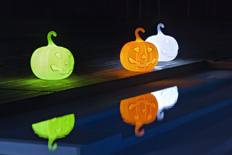 21st Design's Pumpkin-shaped lamp for Halloween