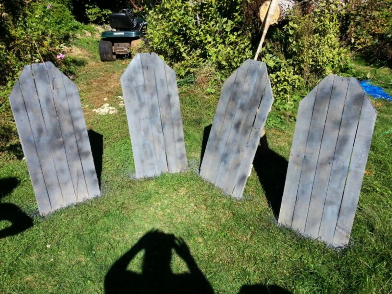 Pallet made tombstone for Halloween