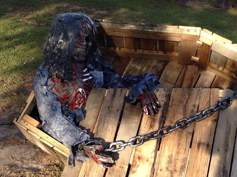 Halloween Pallet Coffin