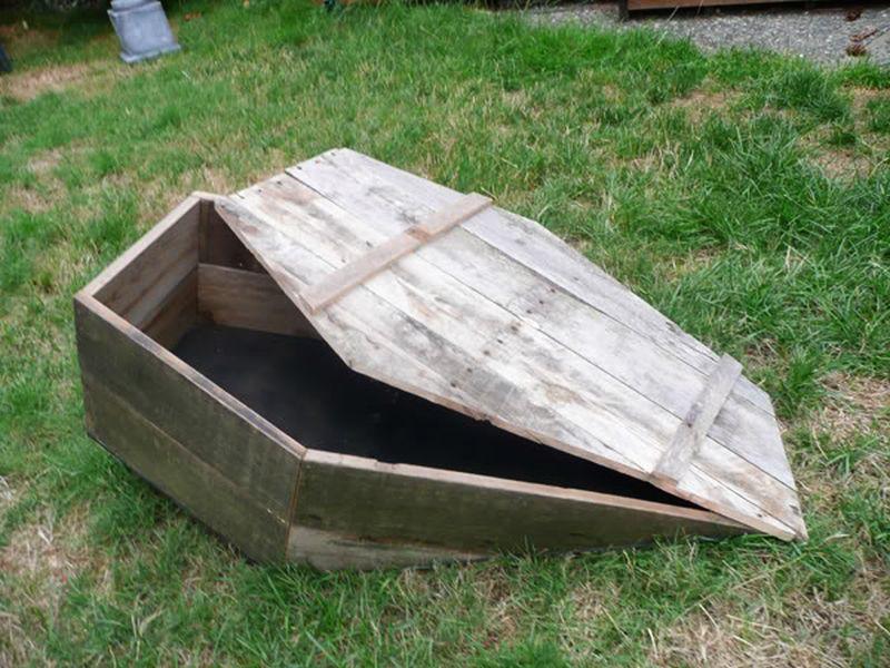 Pallet Wood Coffin