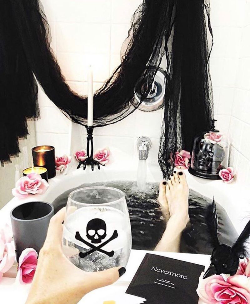 Bathroom Halloween decoration ideas