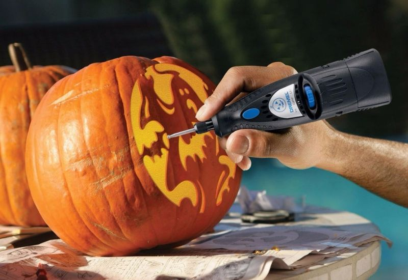 Choose carving tools very carefully
