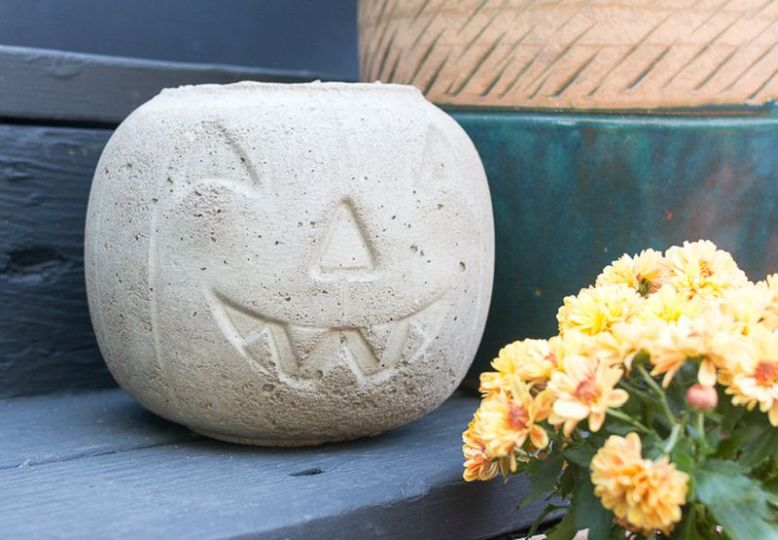 Easy DIY concrete pumpkin for a fun Halloween