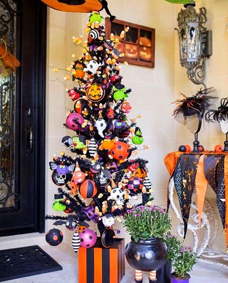 Crafty Halloween trees showing people are already in the scary spirit