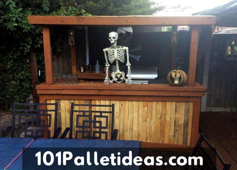 Halloween Pallet wood bar