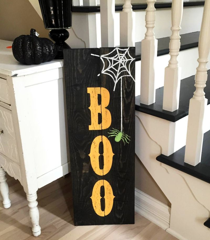 Pallet wood Halloween sign board