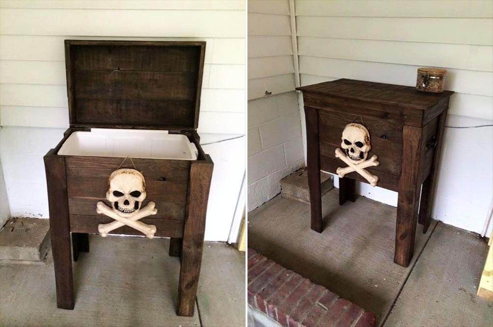 Pallet's cooler for halloween