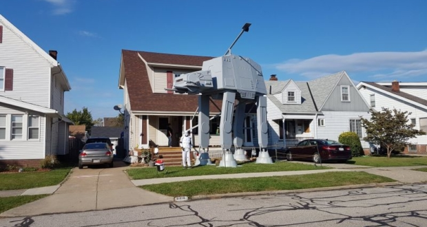 Parma man builds AT-AT Walker replica as Halloween display in his front yard