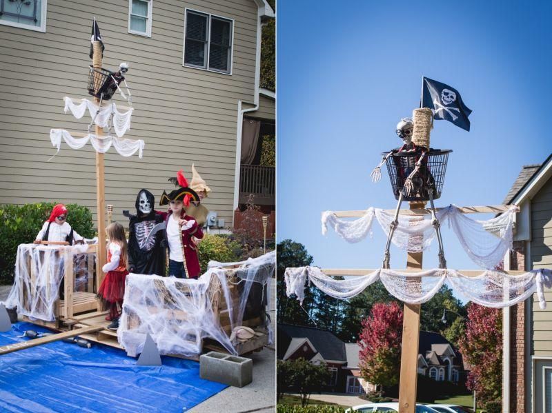 Pirate Ship Halloween Décor