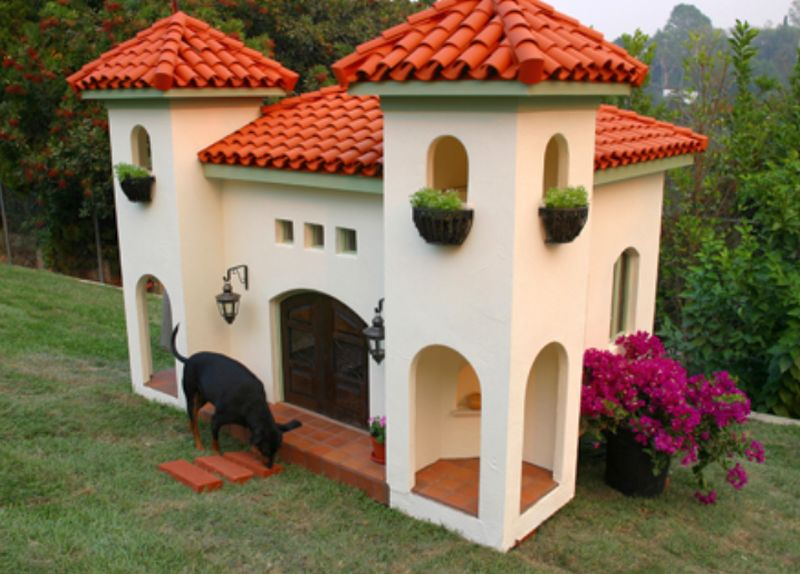 Plush doghouses by La petite mansion