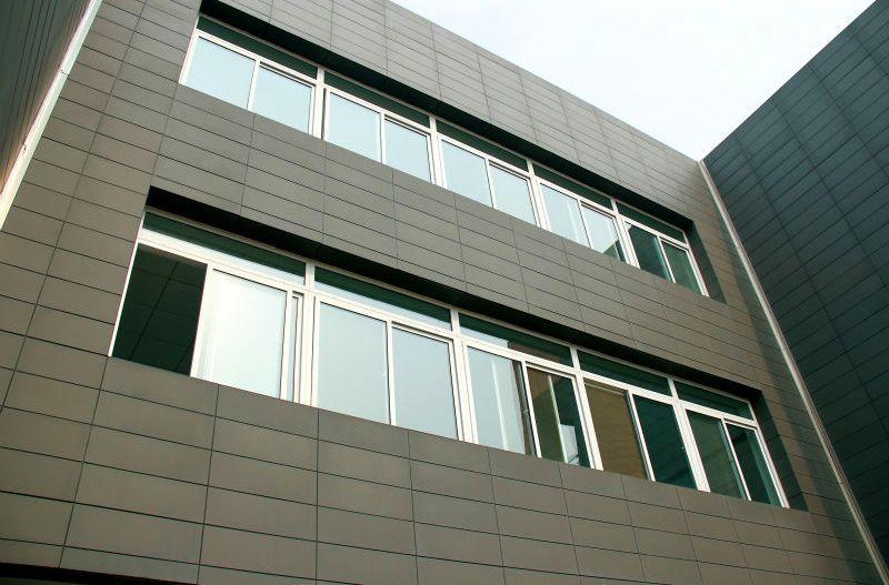 Tile wall cladding