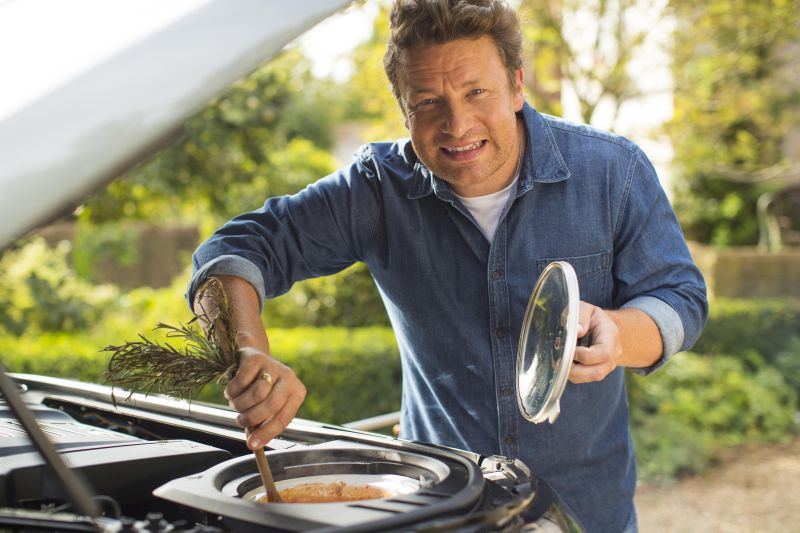 kitchen on wheels - Land Rover Discovery for Jamie Oliver