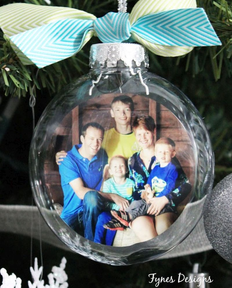 DIY Family Photo Ornament