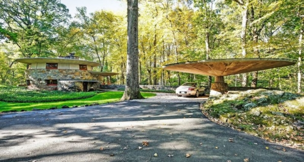Frank Lloyd's Usonian house with mushroom-shaped carport listed for $1.5M