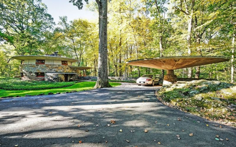 Frank Lloyd's Usonian house with mushroom-shaped carport listed for $1.5M