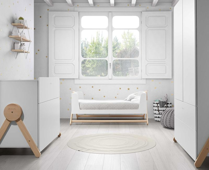Micuna's multifunctional crib turns into a kid's bed