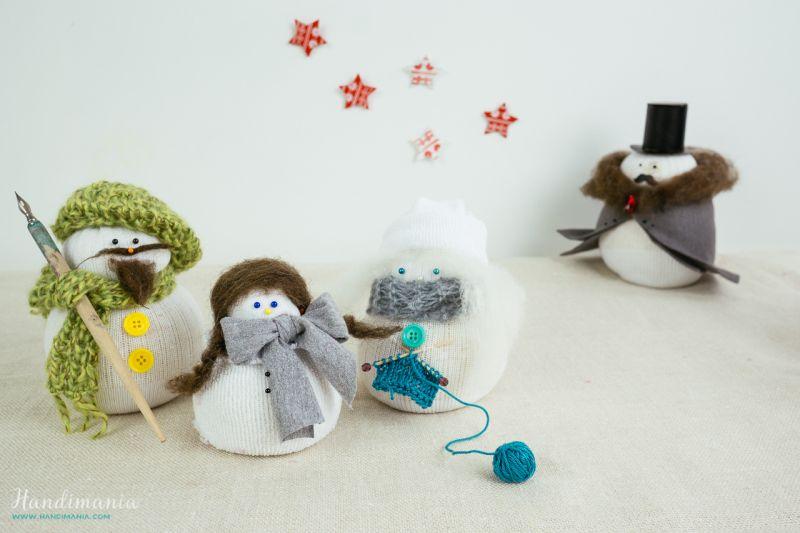 No-sew sock snowman DIY Christmas decoration