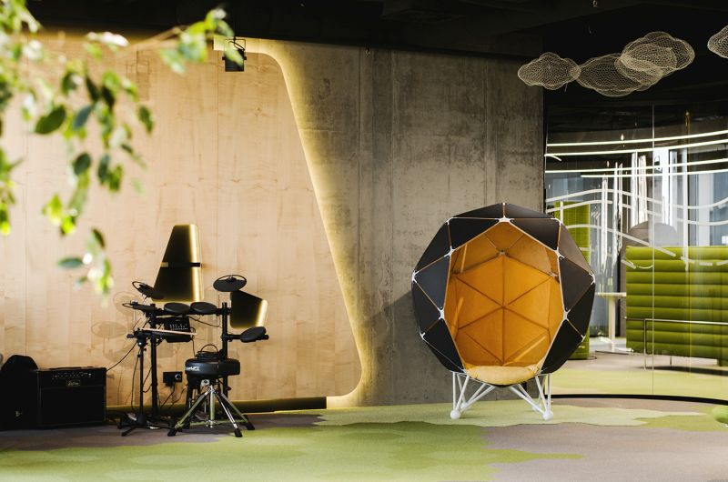 The Planet: One-person pod to escape from distracting sounds in open offices