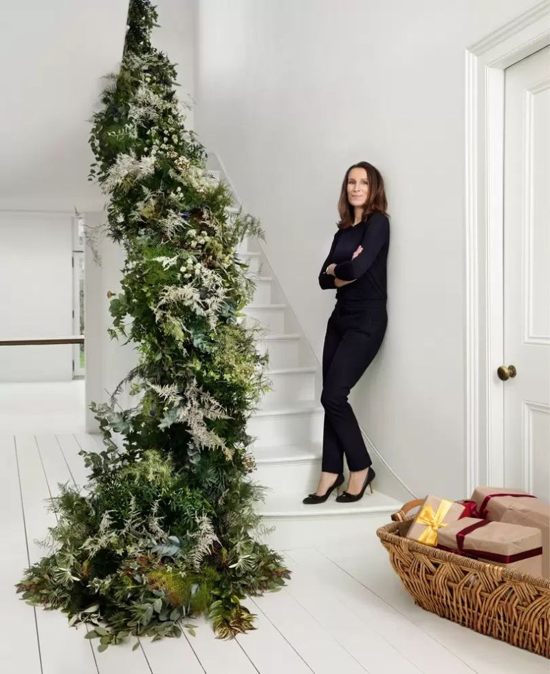 Use plants, flowers, and other natural items for Christmas decoration