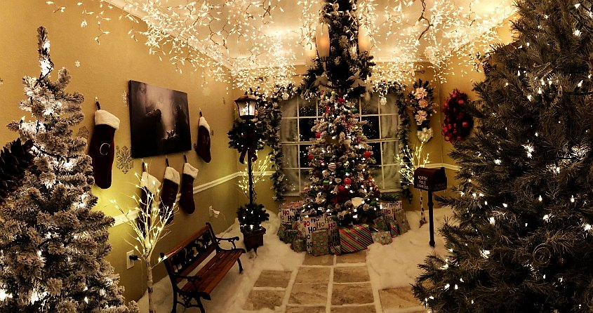 Chris Hanks' wonderful Christmas Room in his home