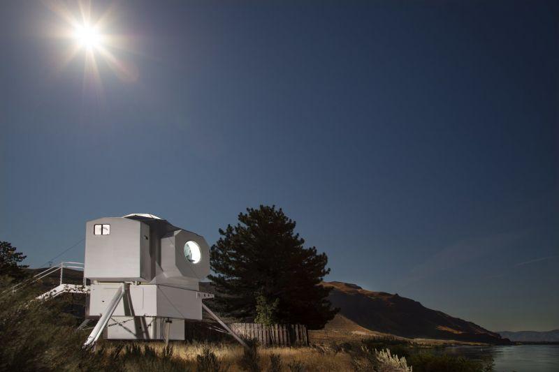 Kurt Hughes' Lunar Lander tiny home looks like an Apollo replica