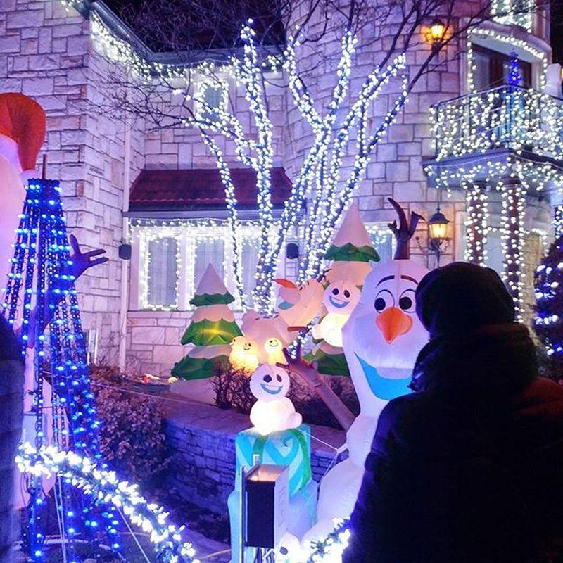 Montreal Man Creates Amazing Frozen-Themed Christmas Light Display