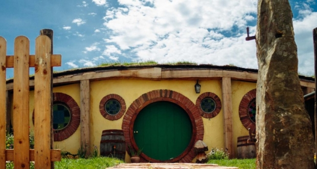 The Hobbit house - a magical retreat inspired by the Lord of the Rings